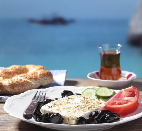 Griechische Küche: Das schmeckt nach Urlaub! | Keto diet meals, Diet ...