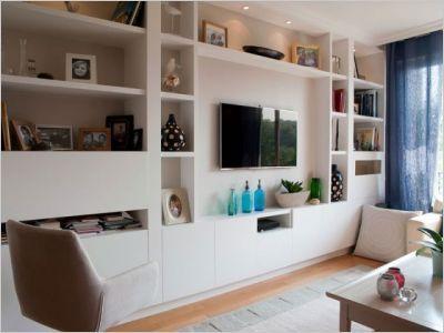 Un appartement de 180 m2 issu d 39 une fusion les salon tv - Salon avec bibliotheque ...