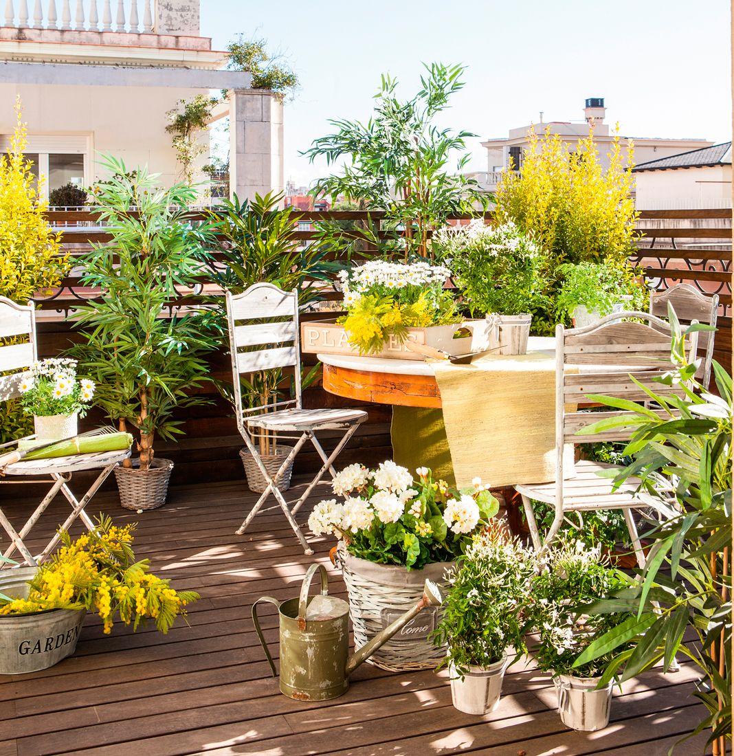 Terraza peque a cubierta con sof rinconero mesa de for Dec para terrazas