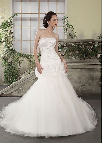 Fashionale Organza  Satin Princess Strapless Neckline Drop Waist Beaded Lace Appliques Wedding Dress