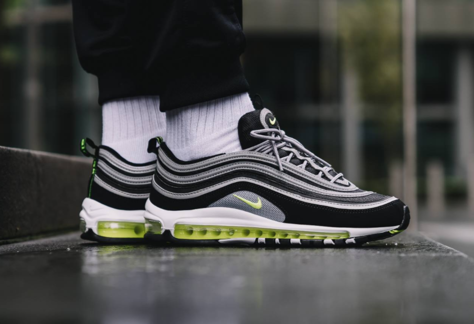 air max 97 vapormax black volt
