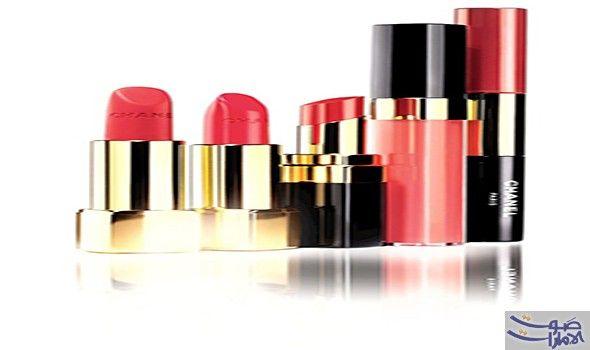 4 ألوان من حمرة شفاه شانيل مناسبة لموسم الاحتفالات تقدم مجموعة مكياج شانيل الجديدة لموسم الأعياد القادم قوة اللون الأحمر الأنثوي لإطلالة Lipstick Beauty