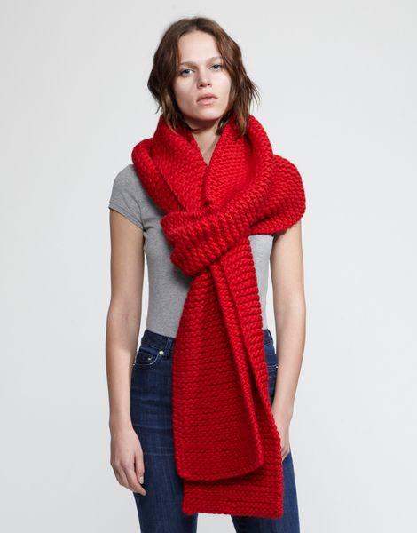 In una giornata così...voglio assolutamente questa sciarpa!! *-* #red