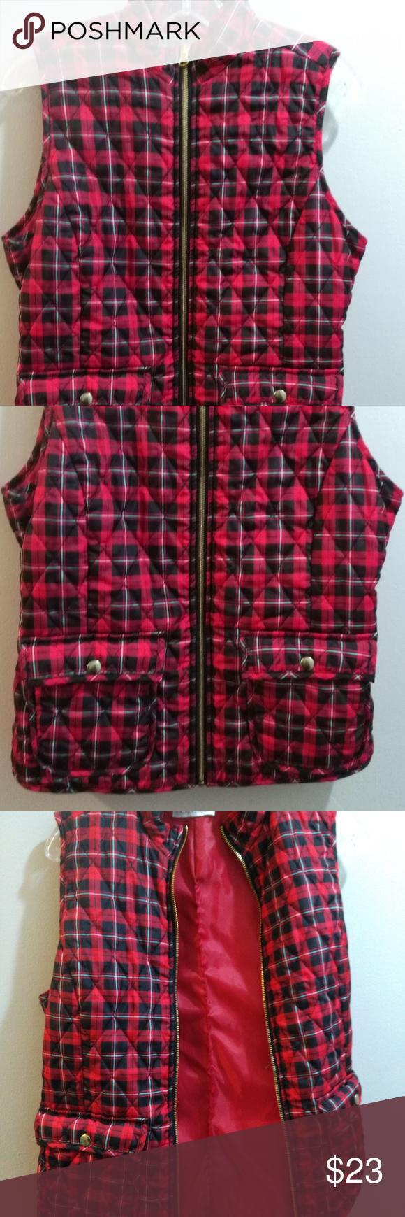 NWOT Keren Hart Red Plaid Lightweight Puffer Vest This super cute, lightweight p...#cute #hart #keren #lightweight #nwot #plaid #puffer #red #super #vest