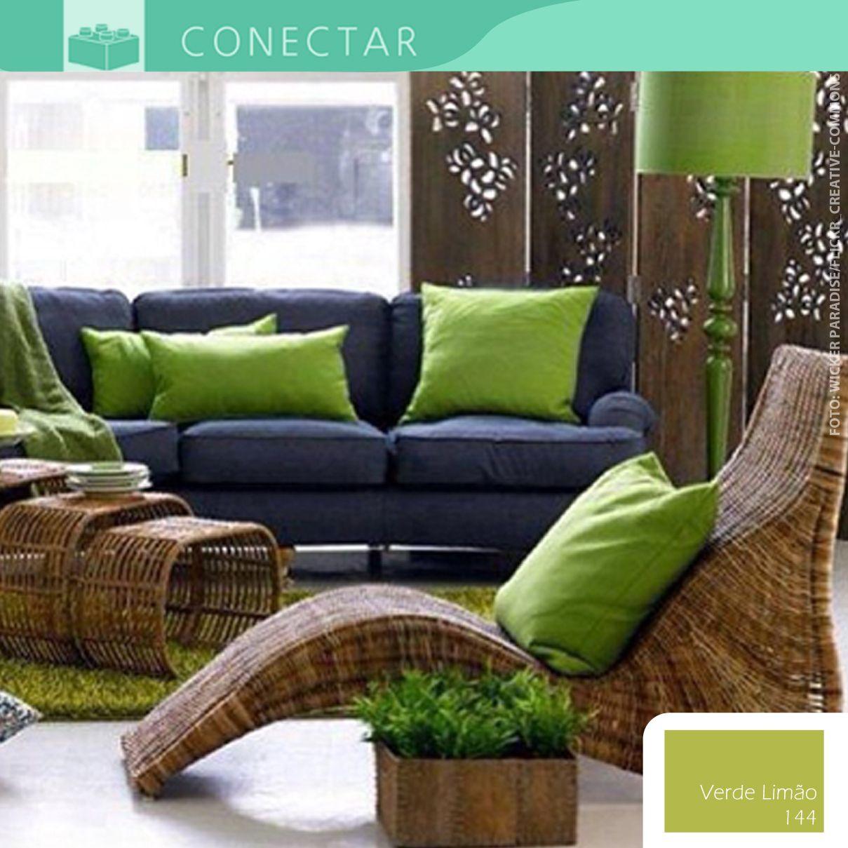 A Combina O De Tons De Verde Com Objetos De Madeira Na Decora O