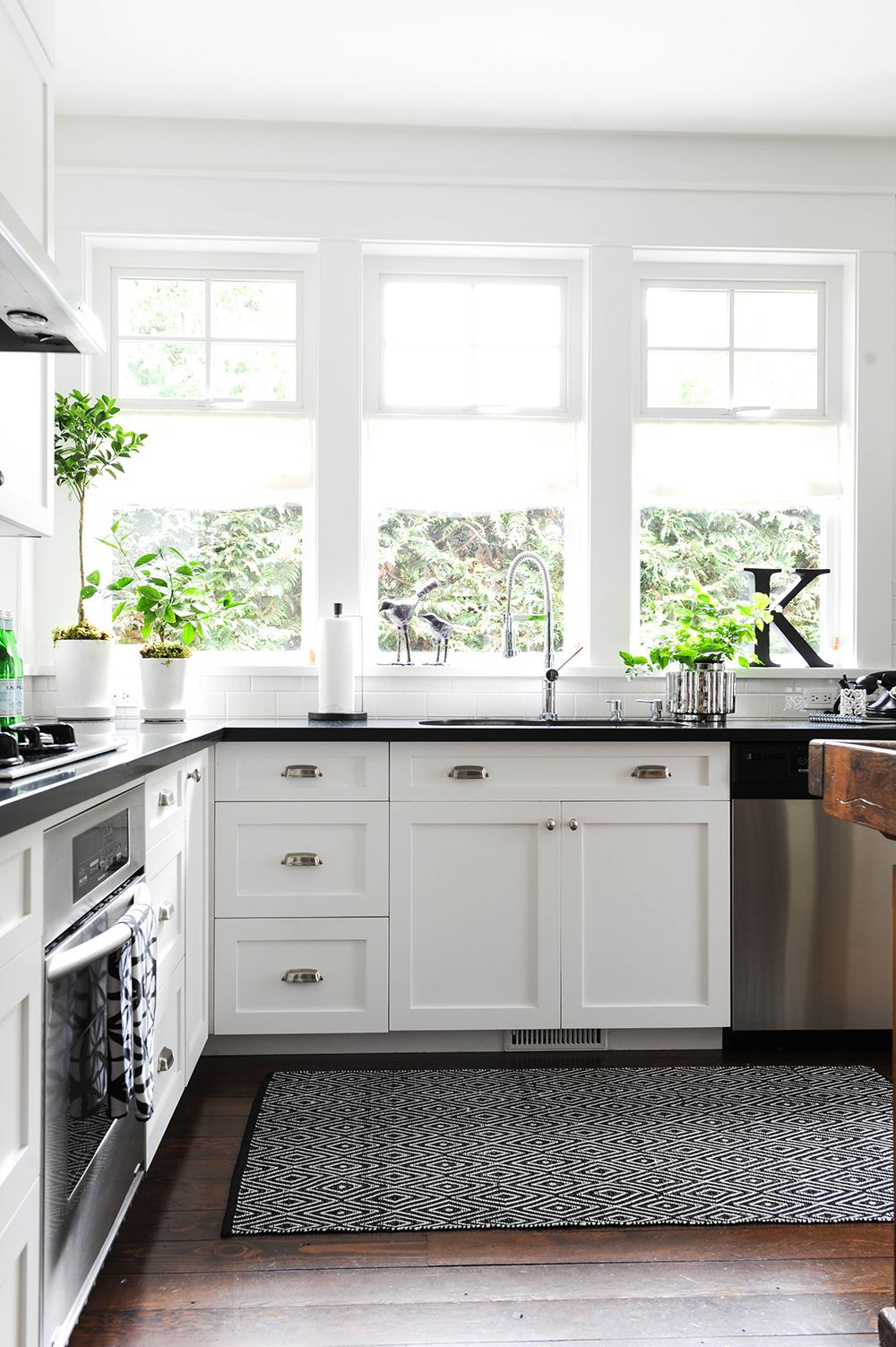 windows over kitchen sink  キッチン  Pinterest  Sinks Kitchens