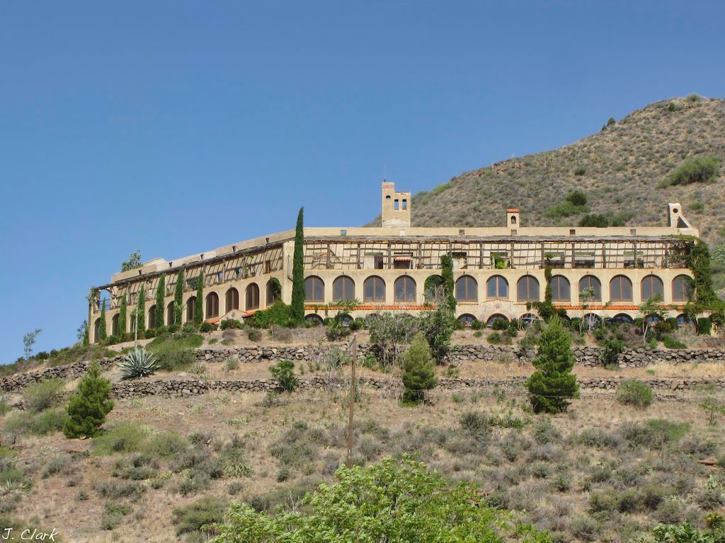 Daisy-Hotel-Jerome, AZ it was built in 1919 for the miners who ...