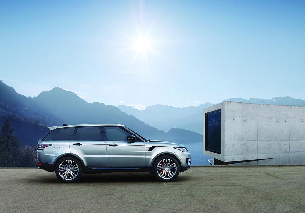 Land Rover voorziet Range Rover Sport van 2,0 liter ingenium-diesel en nieuw infotainment