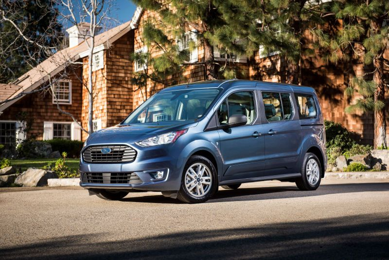 The 2019 Ford Transit Connect Wagon Is A Diesel Van For Your Awesome Parents Ford Transit Mini Van Ford