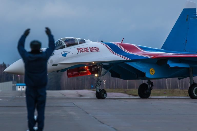 Here Are Some Exclusive Shots Of The Four New Su-35S Flankers Delivered To The Russian Knights Yesterday. – The Aviationist