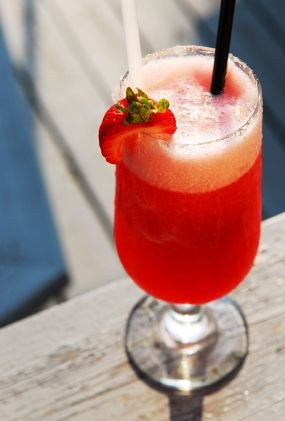 Best Strawberry Daiquiri Recipe Virgin Strawberry Daiquiri Misshomemade Com