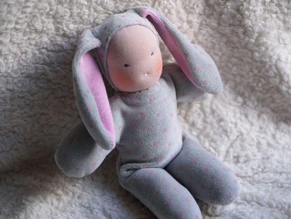 Poupée waldorf enfant lapin poupée écologique par MainsDeLaine
