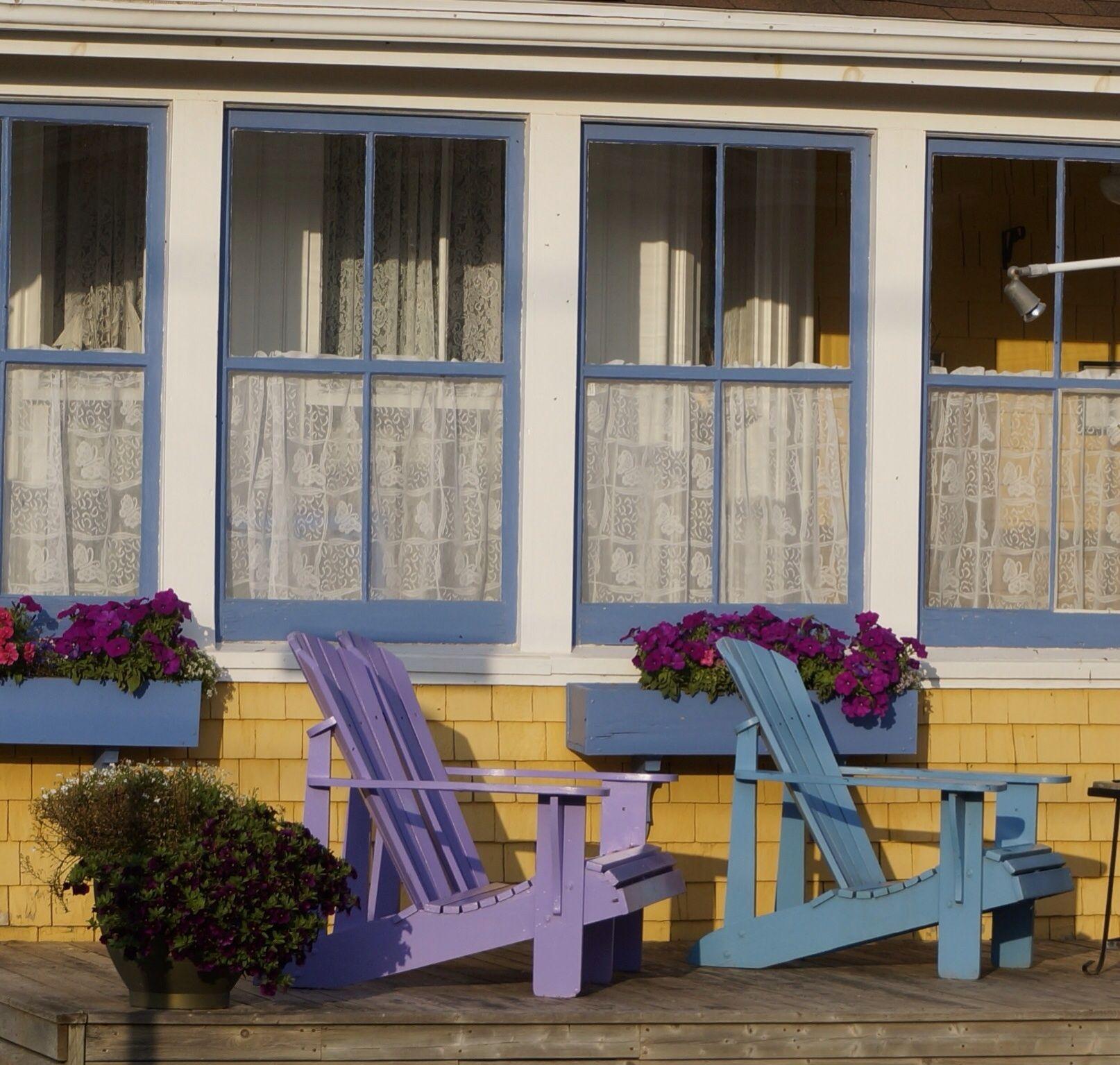 Nova Scotia Inn Outdoor decor, Outdoor chairs