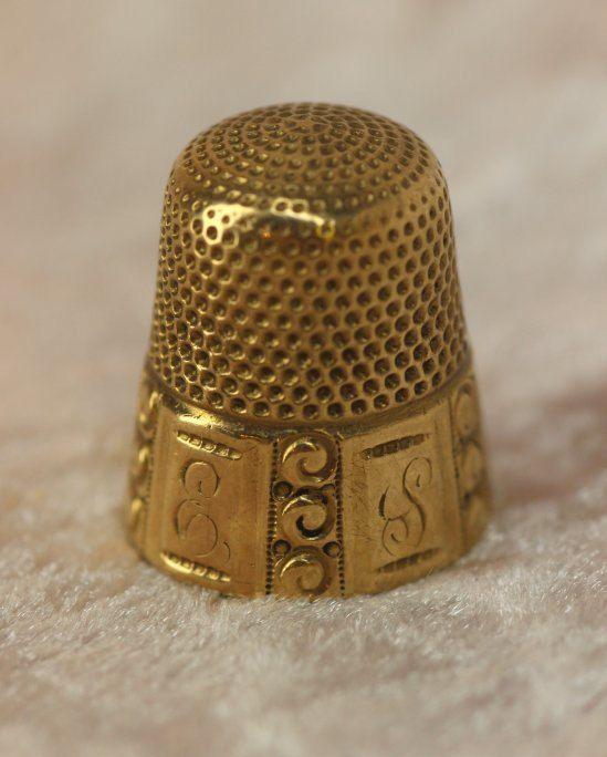 10K Yellow Gold Victorian Sewing Thimble Size 9 Marked 10 K Rare to Find in Solid Gold.