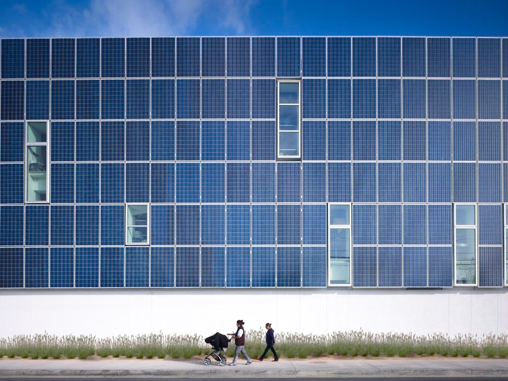 An Architect S Guide To Photovoltaics Architizer Solar Panels Solar Photovoltaic