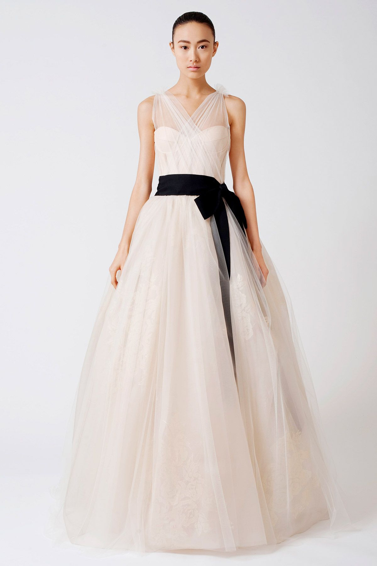Natural waistline vera wang wedding dress with black for Vera wang used wedding dress