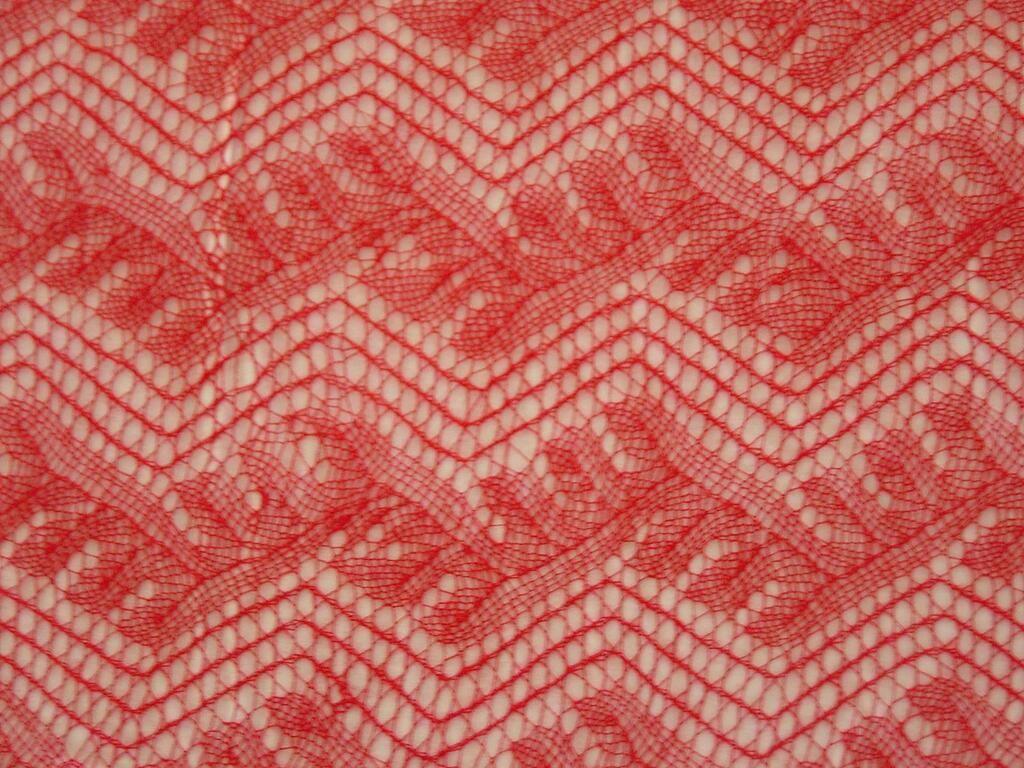 Gorgeous #knit shawl by Bernadine(Colorado); #handspun alpaca plied w/ @TreenwaySilks Arabella's Web silk thread pic.twitter.com/M3Y4OEFaAM