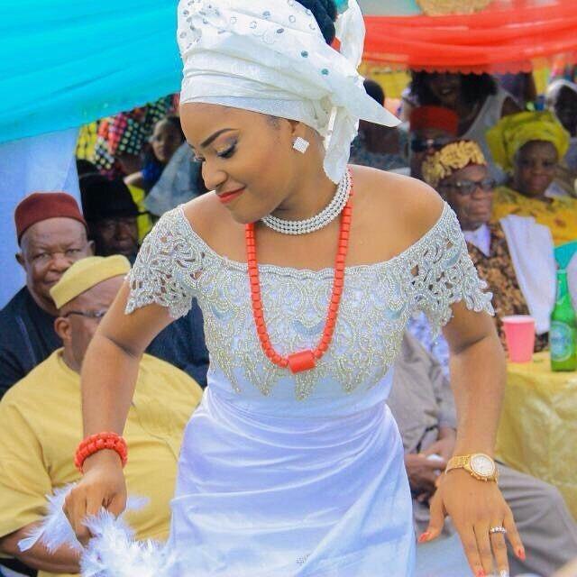 Igbo Traditional Wedding Attire For The Bride - Sao Mai Center