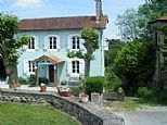 Holiday Farmhouse in Autevielle, Nr. Sauveterre-de-Béarn, Pyrenees Atlantiques, Aquitaine, France FR21610