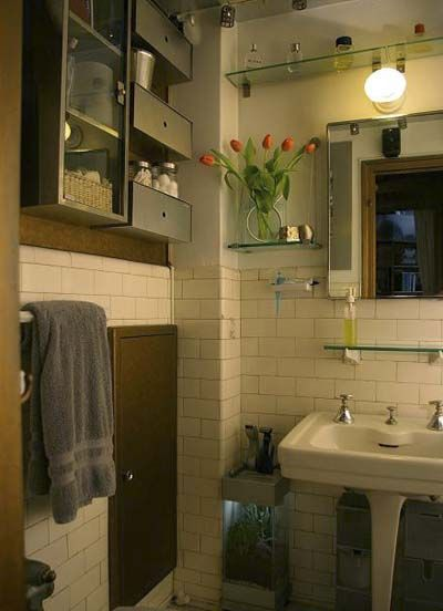 This Old Studio Apartment Small Room Design Small Apartment Decorating Glass Shelves In Bathroom