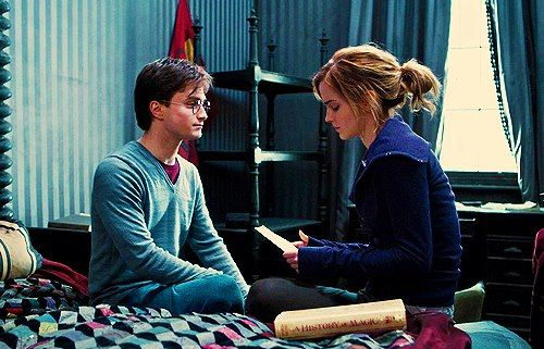 Harry Hermione In Sirius S Bedroom Deleted Scene From Harry Potter The Deathly Hallows Harry Potter Scene Harry Potter Films Harry Potter Hermione Granger