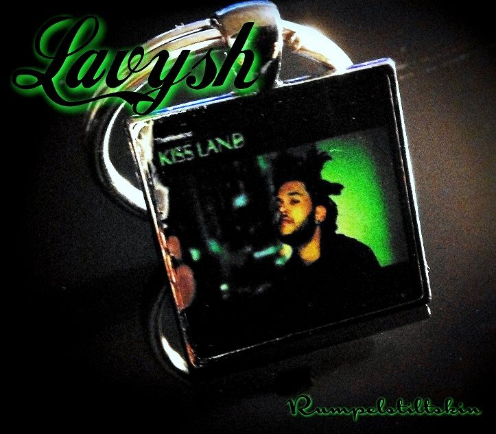 The Weeknd Xo Kiss Land Album Cover 1 1 Inch Metal Keychain 100