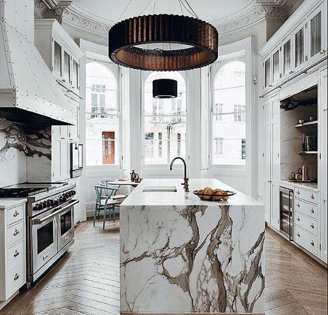 Maddux Creative Kitchen Design Notting Hill London Interior Design Kitchen Kitchen Interior Marble Kitchen Island