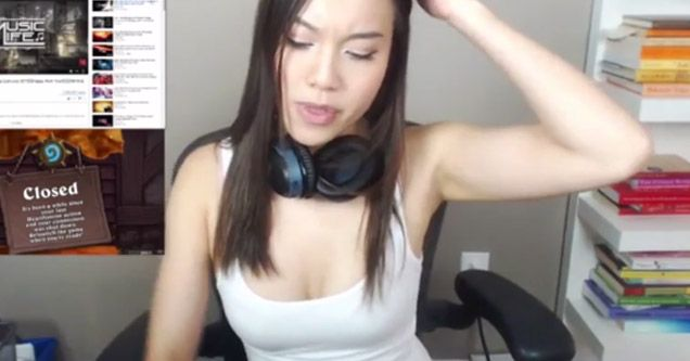Shemale Strap Fucked Girl