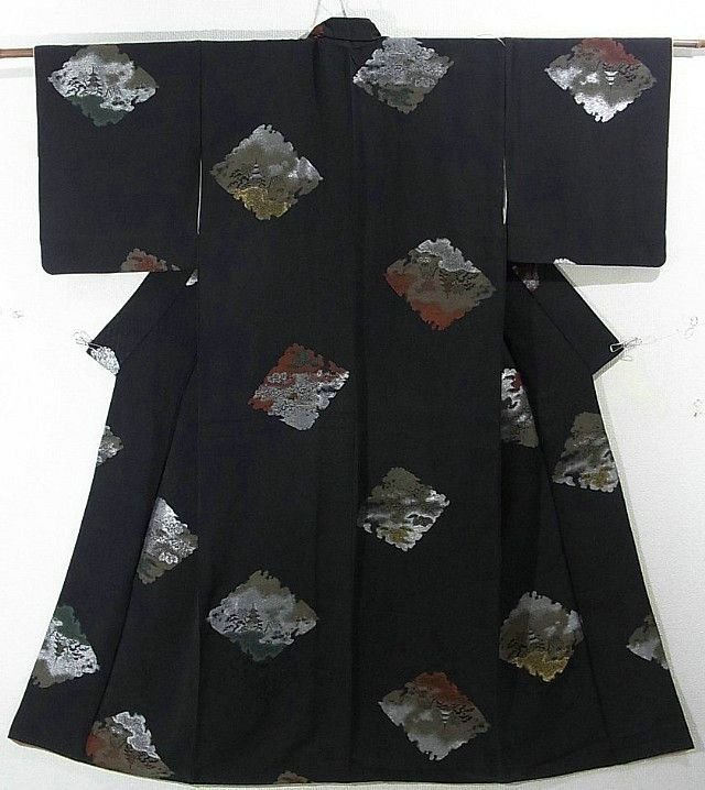 This is a chic Kimono with scenery on 'shikishi'(square paper) pattern, which is woven