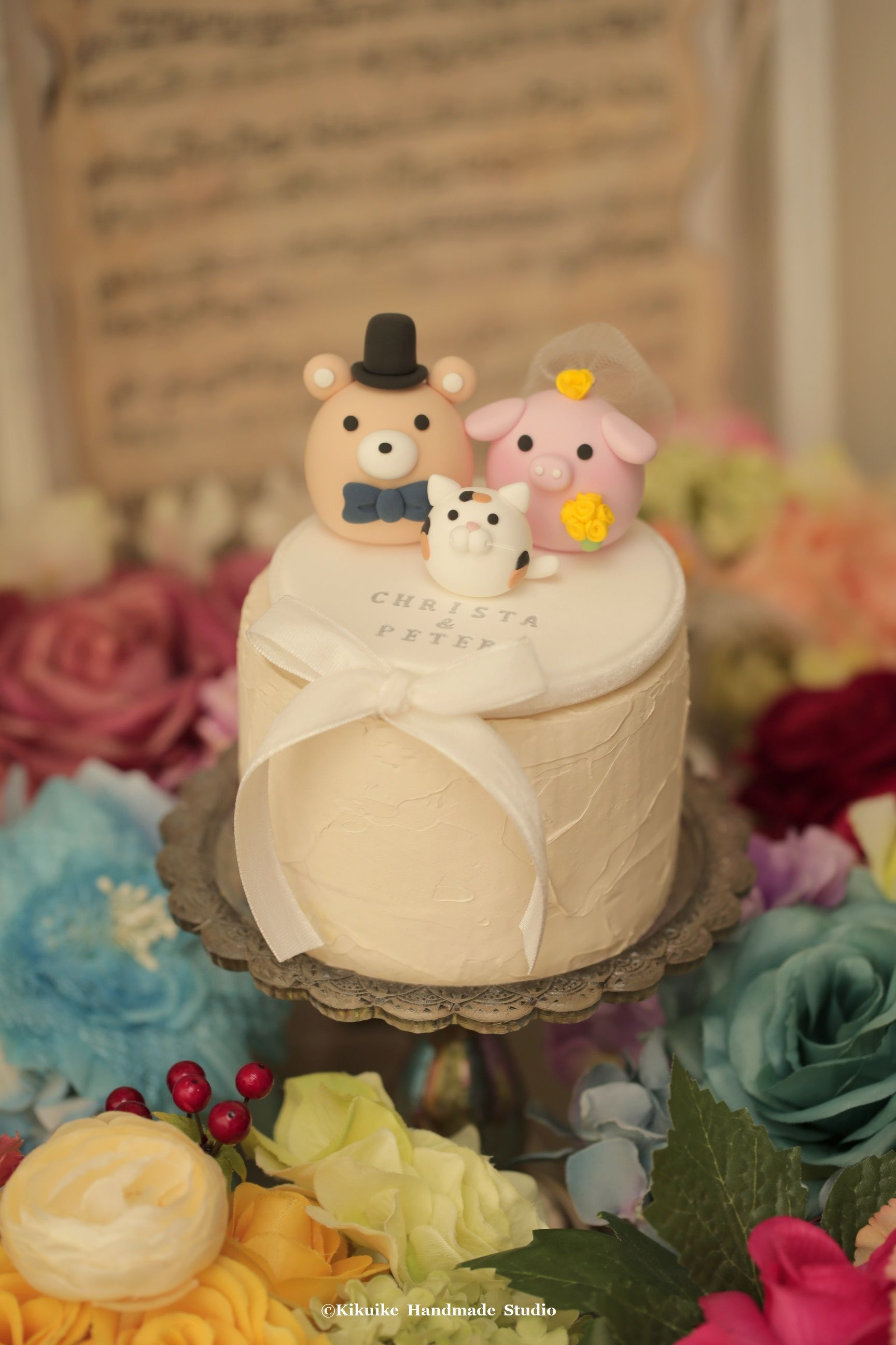 Pig and Bear wedding cake topper | MochiEgg cake topper | Pinterest ...
