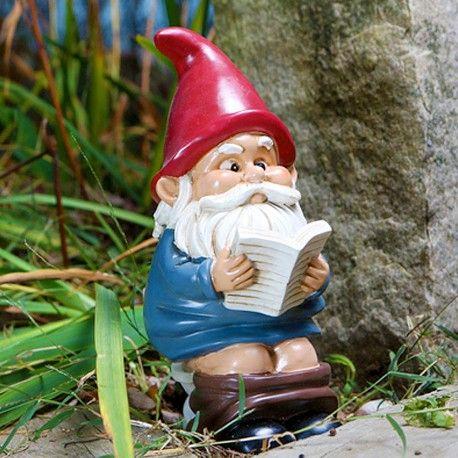Nain de jardin sur les WC à 24,95 € | Funny garden gnomes ...
