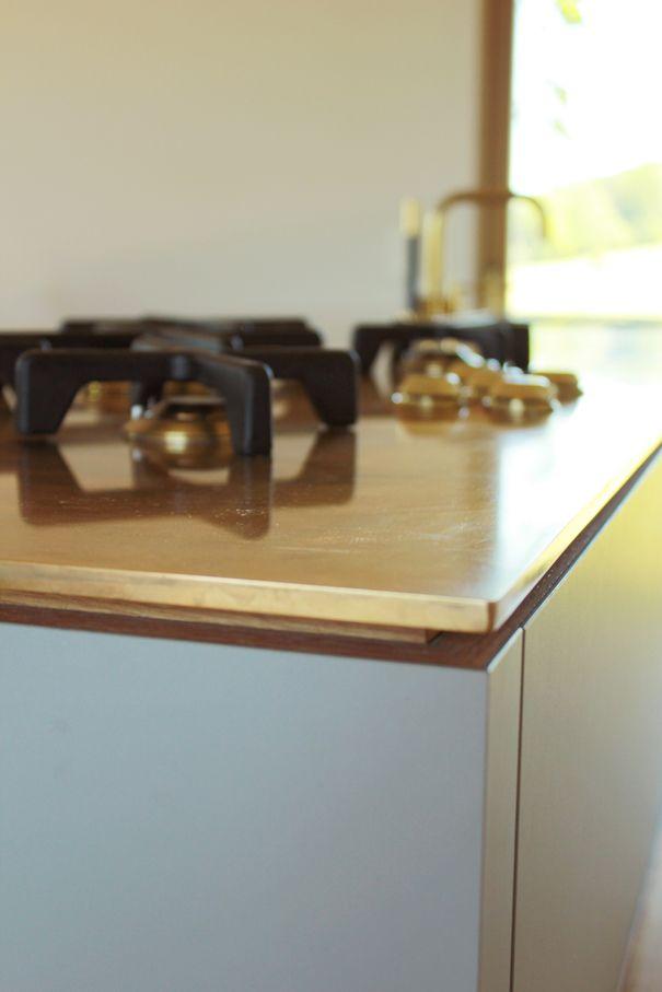 Die Arbeitsplatte von Lüst Metallgestaltung - der Gasherd ist - küchen mit gasherd