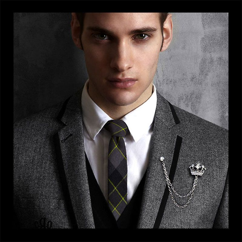 99b9d23ab6a6 Fashion Jewelry Crown Men s Brooch British Style Suits Shirts Collar Lapel  Pin Badge Popular Unisex Corsage Brooch Accessories-in Brooches from  Jewelry on ...