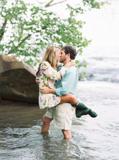 What a cute moment! http://www.stylemepretty.com/2015/07/03/romantic-adorable-north-georgia-engagement/ | Photography: Sawyer Baird - http://www.sawyerbaird.com/