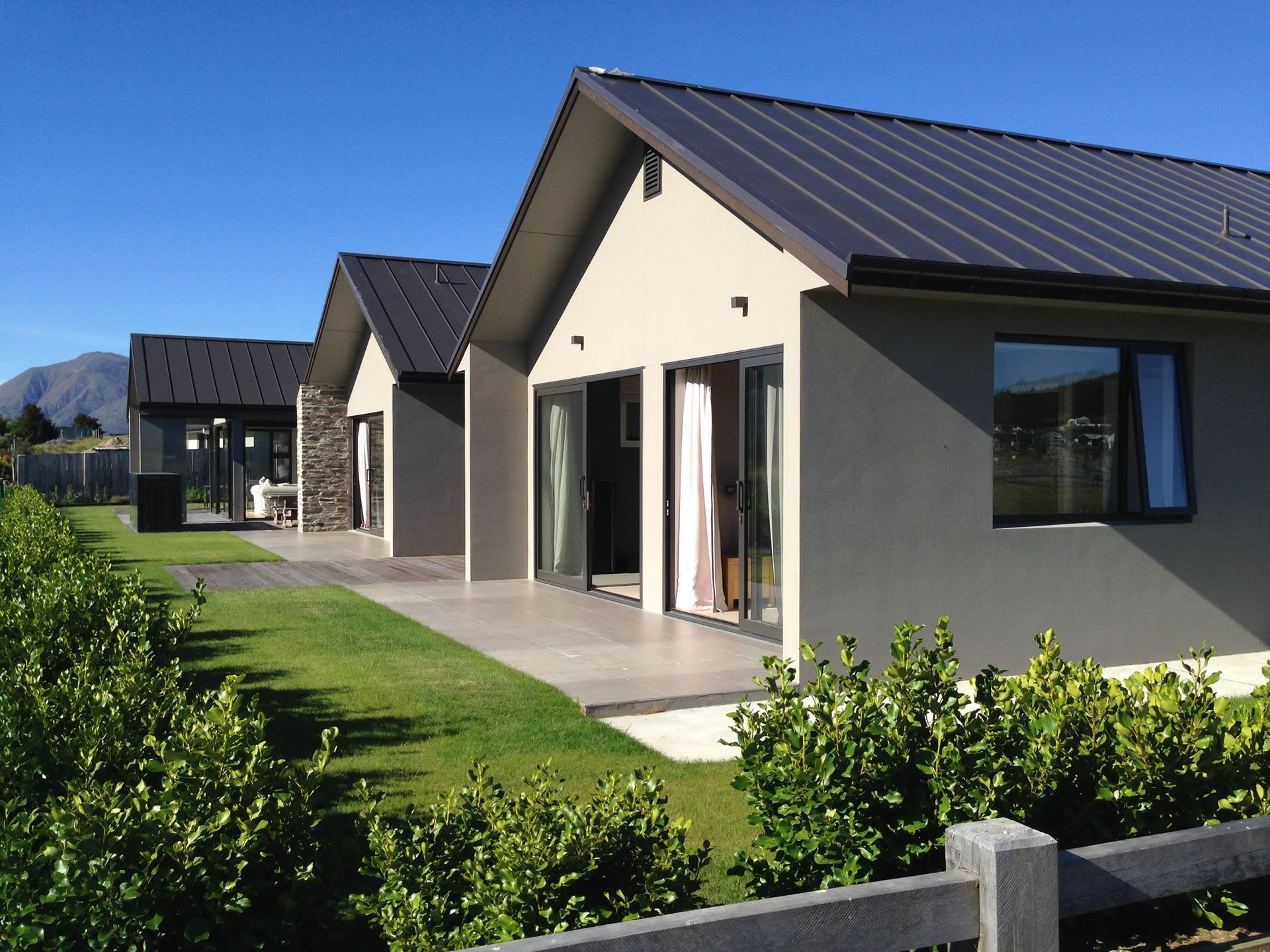Wanaka NZ Luxury Holiday Home Rental With Views   Infinity Drive