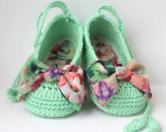 a37c9336b47 Zapatos de bailarina de bebé del ganchillo botitas de bebé Booties Crochet