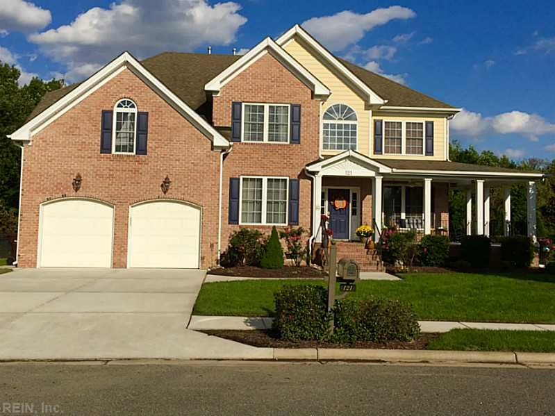 121 Ravenna Course Chesapeake Virginia 23322 Mls 1548159 1st Class Real Estate Real Estate Ravenna House Styles