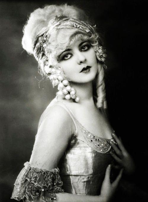 Ziegfeld girl Marion Benda, 1920's