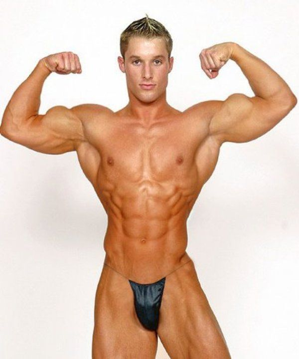 naked-body-builder-models-sarahyoung-porn
