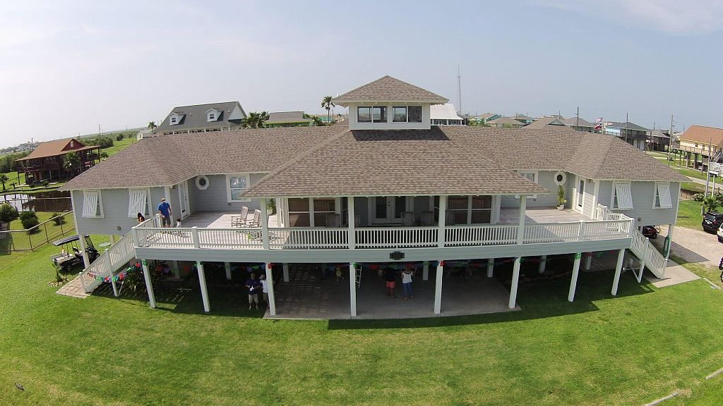 Marvelous House Vacation Rental In Crystal Beach Bolivar Peninsula Download Free Architecture Designs Viewormadebymaigaardcom