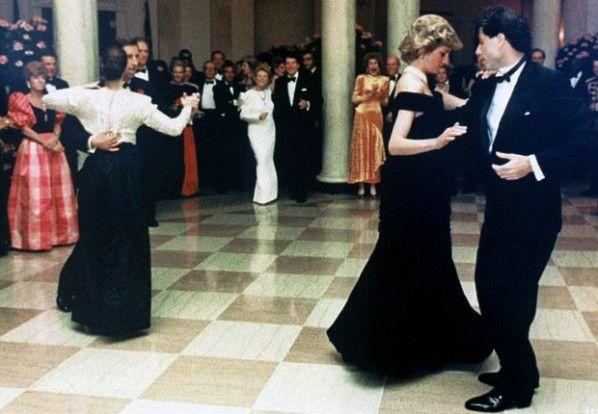Princess Diana dancing with John Travolta - Retronaut | Princess diana,  Princess diana death, John travolta