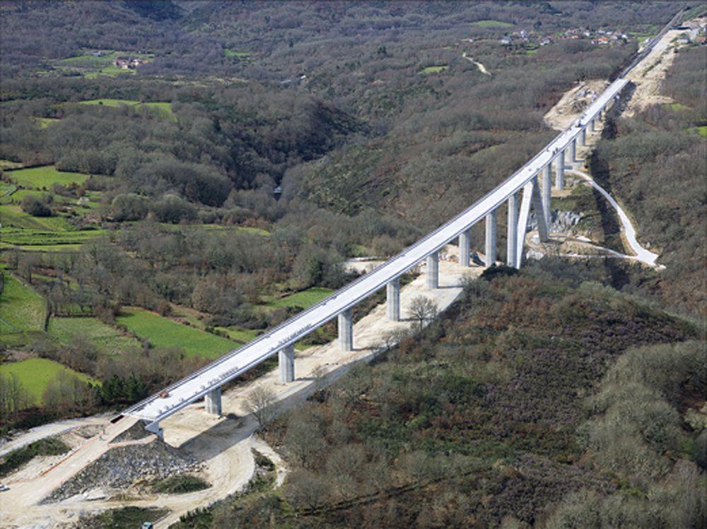 Viaducto De Arnoia, En Baños De Molgas (Ourense)