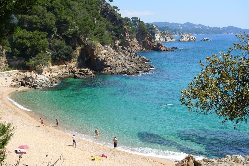 Discover The Best Beaches In Catalonia From The Costa Brava Right Down To The Costa Dorada Find Out Which Catalo Top 10 Beaches Costa Brava Spain Costa Brava