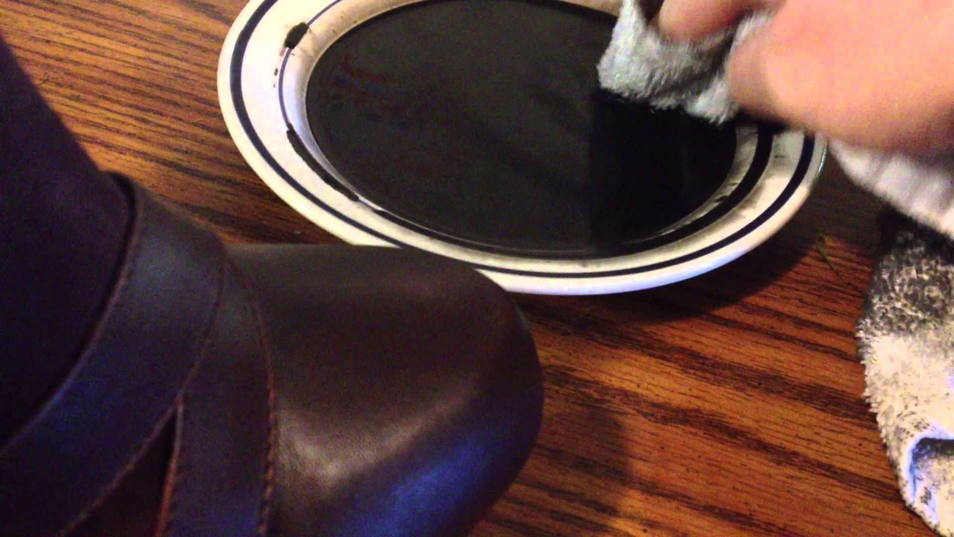 how to clean leather shoes before dying