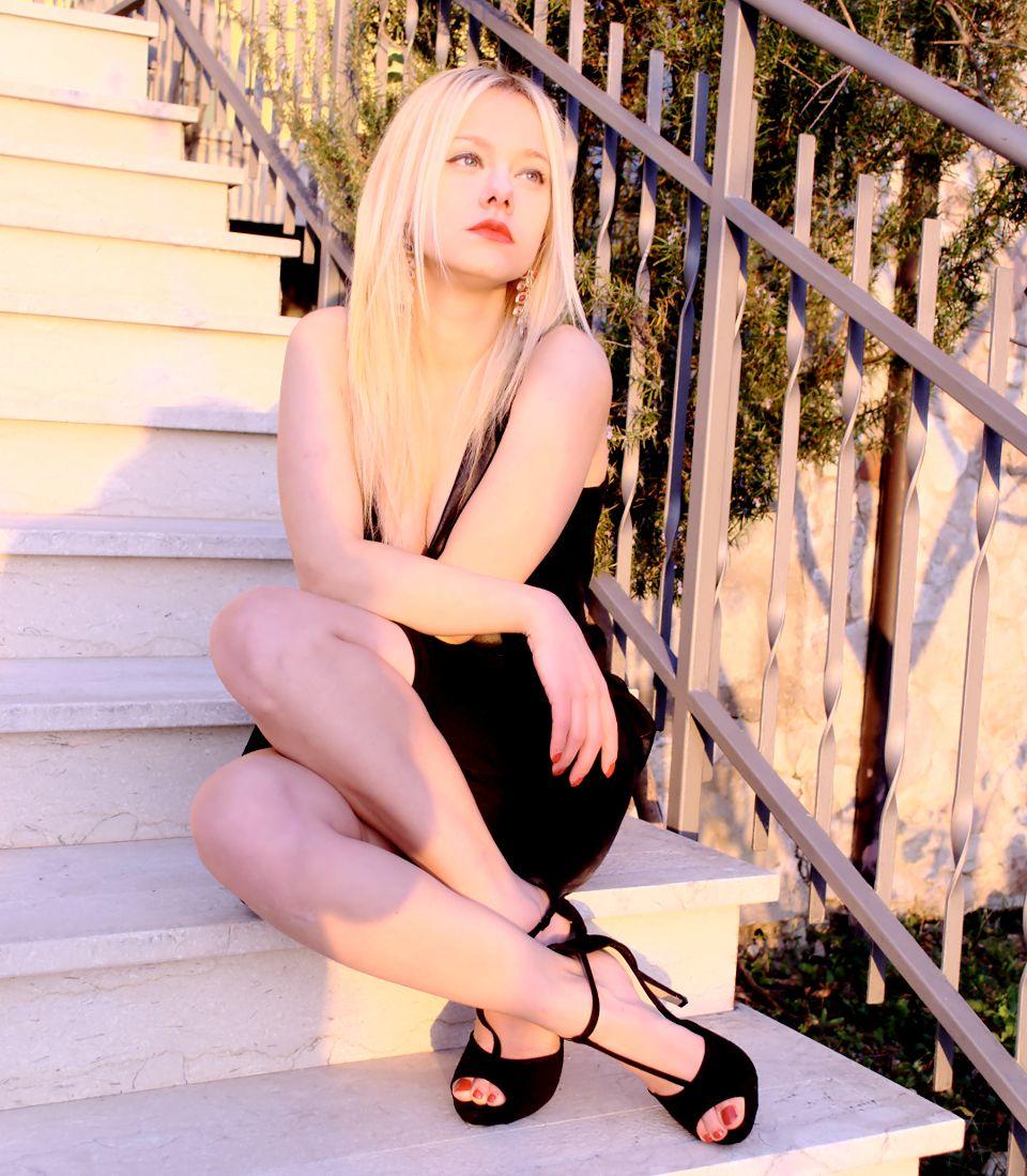 #lbd #blackdress #tubino #outfit #ootd #fashionblog #fashionblogger #theFashiondiet http://www.teresamorone.com/2015/12/17/un-tubino-nero-e-passa-la-paura-del-cosa-mi-metto-alle-feste/
