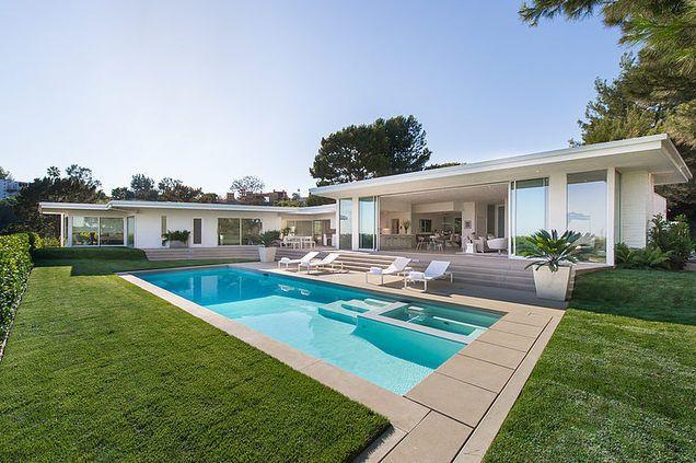 Villa contemporaine con ue pour v ritablement vivre dedans for Pool design usa
