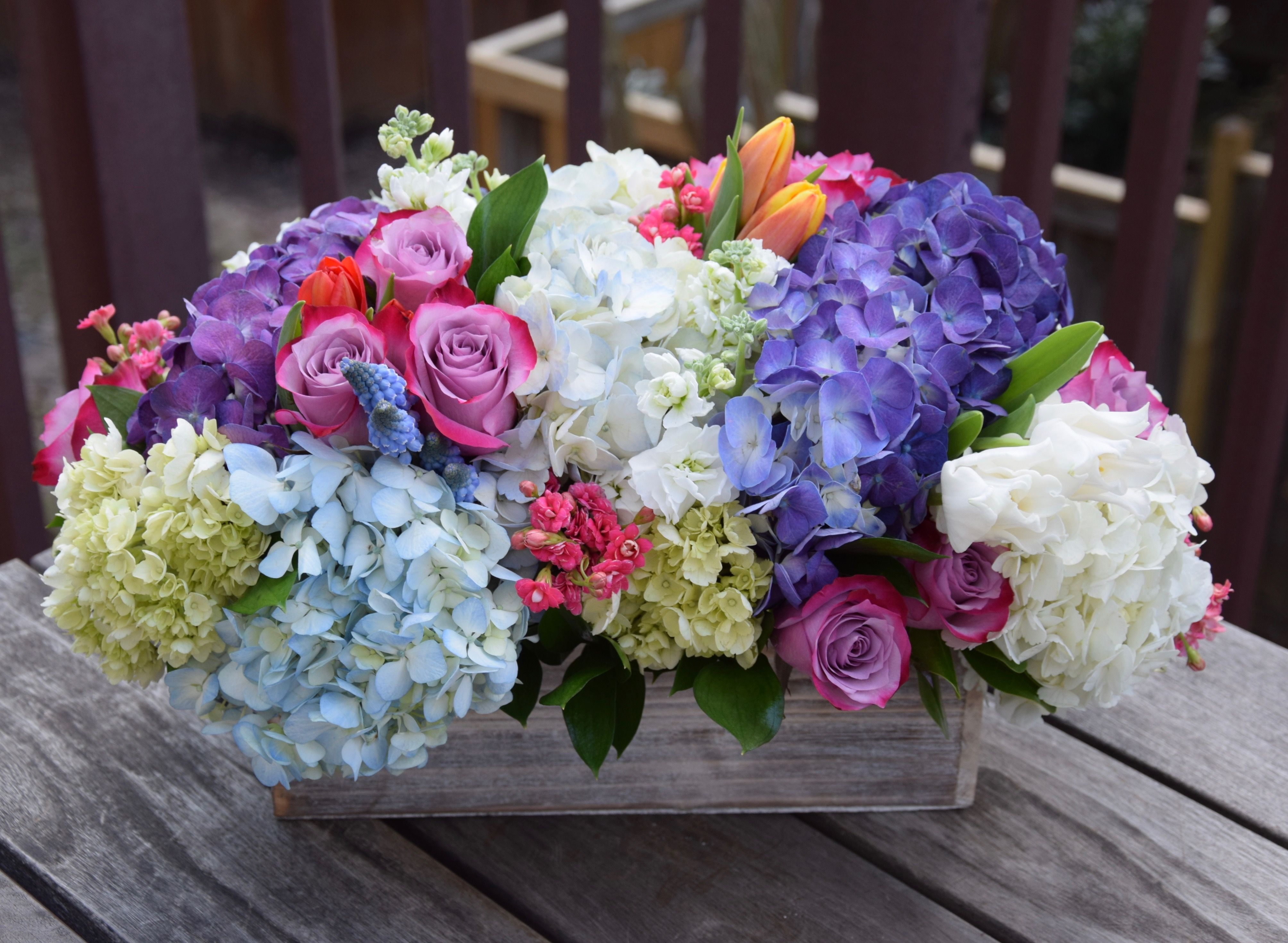 Floral Gift Box Packed With Fresh Flowers Hydrangeas Roses Tulips Flower Arrangements Simple Fresh Flowers Arrangements Flower Arrangements