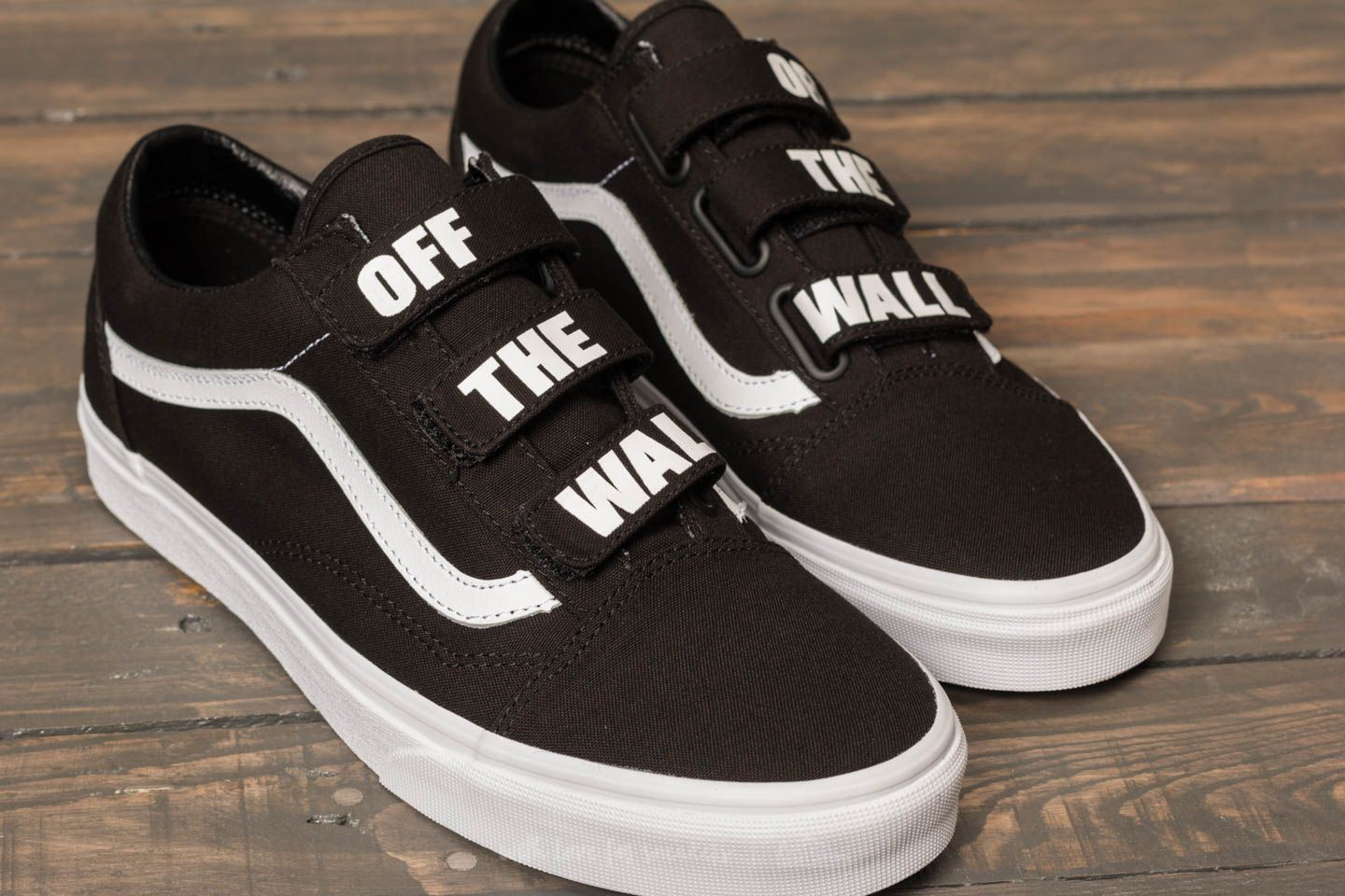 228aa39e1b0558 Vans (Off The Wall) with velcro