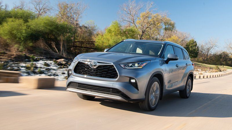 2020 Toyota Highlander Gets Iihs Top Safety Pick Award Living In
