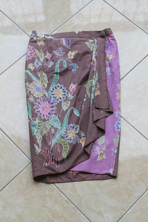Model Bawahan Batik : model, bawahan, batik, Referensi, Bawahan, Untuk, Acara, Resepsi, Formal, Batik,, Pakaian, Model, Wanita